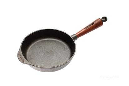 Obrázok pre výrobcu Hlboká liatinová panvica s bukovou rúčkou - 20 cm